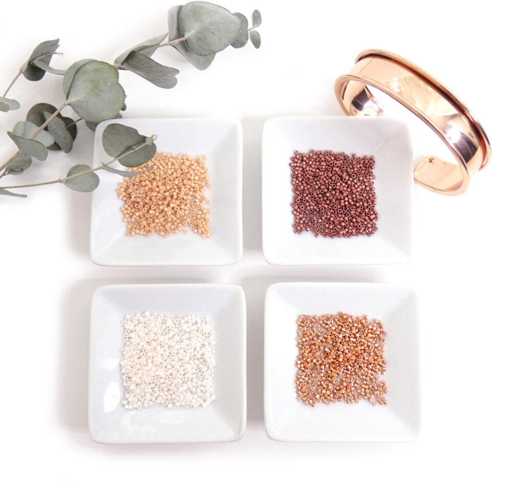 Palette de perles miyuki delicas dans les tons cuivrés