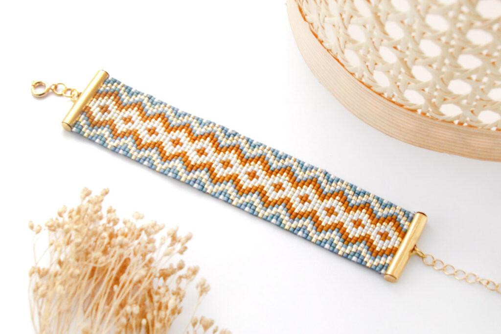 bracelet tissage miyuki sur metier a tisser